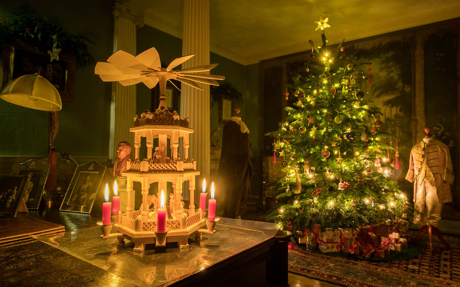 A Candlelit Christmas at Stonor Park 2019