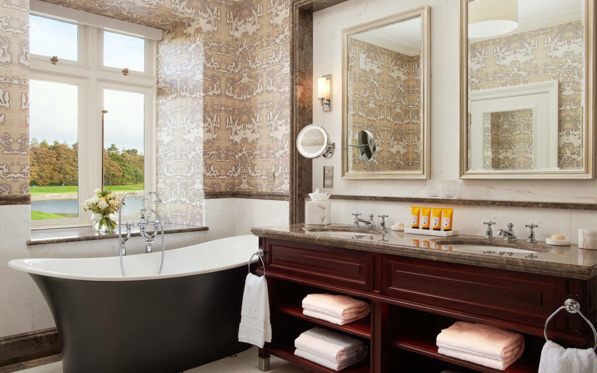 The Adare Manor Hotel Deluxe King Bathroom