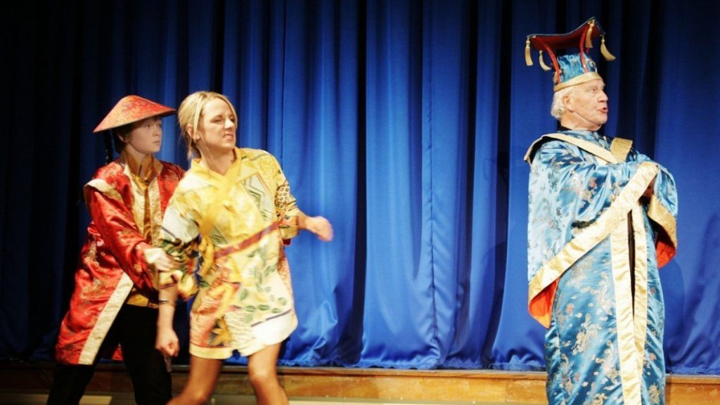 Aladdin Pantomime by Faringdon Dramatic Society