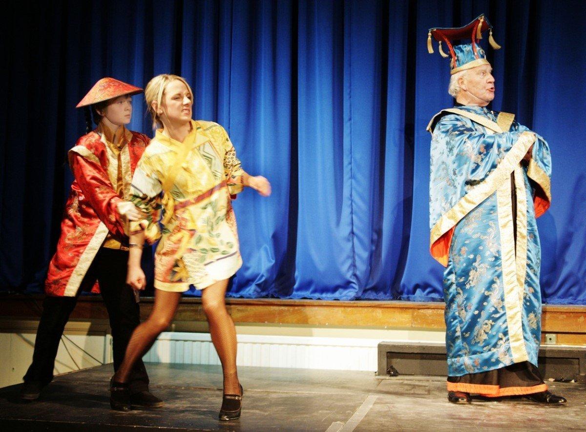 Aladdin Pantomime by Faringdon Dramatic Society