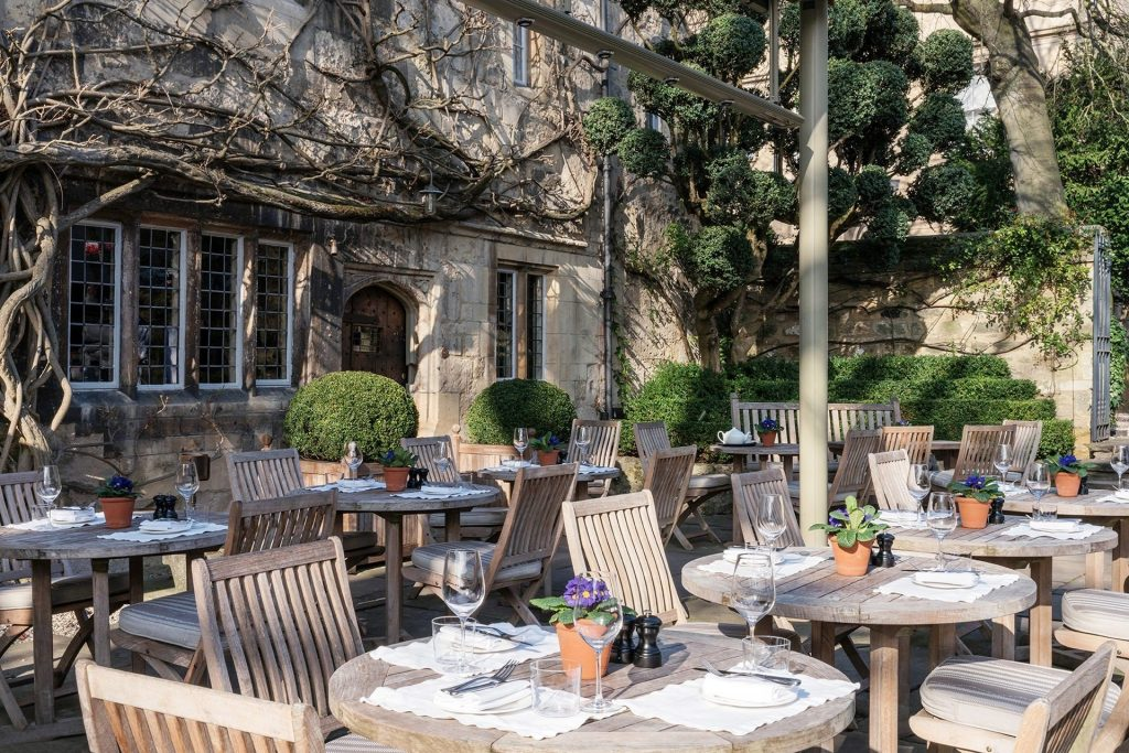 Alfresco Dining in Oxford City - Parsonage Grill at Old Parsonage Hotel