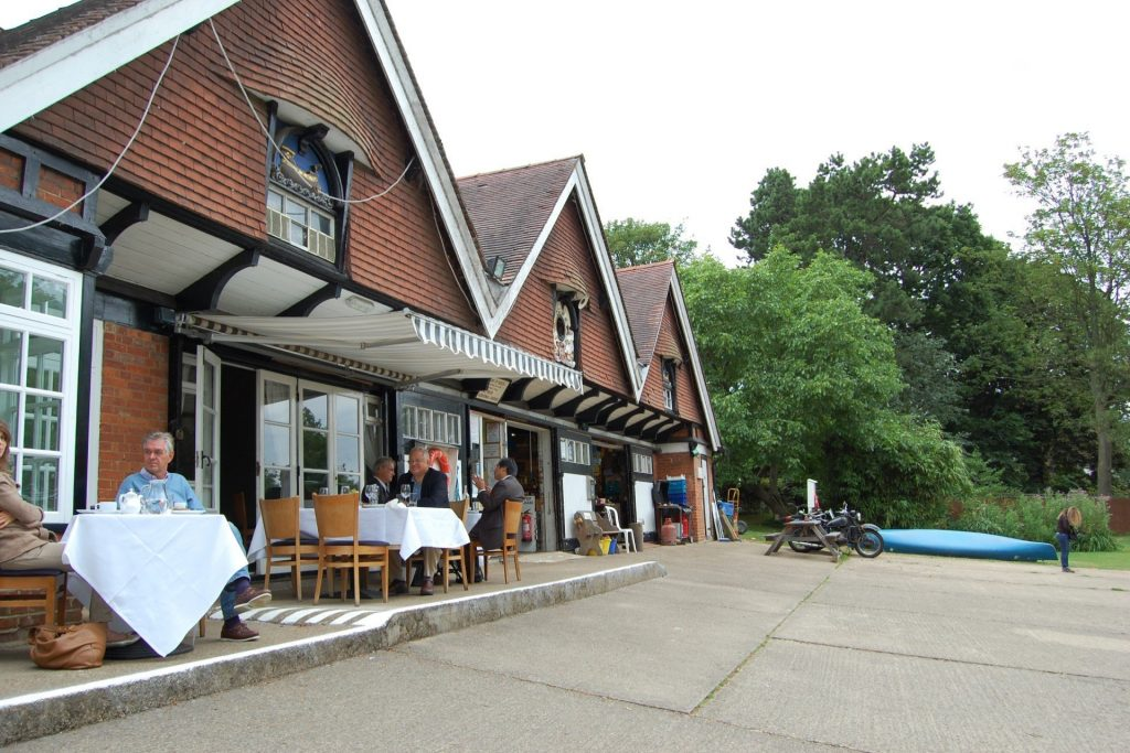 Alfresco Dining in Oxford City - Cherwell Boathouse Restaurant