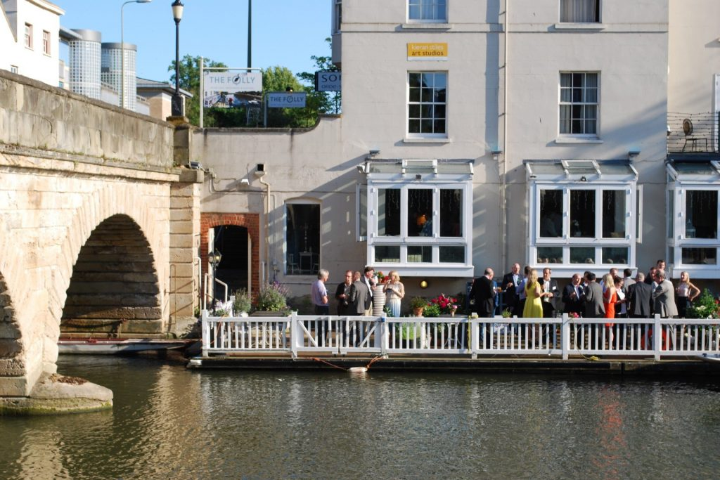 Alfresco Dining in Oxford City - The Folly Restaurant