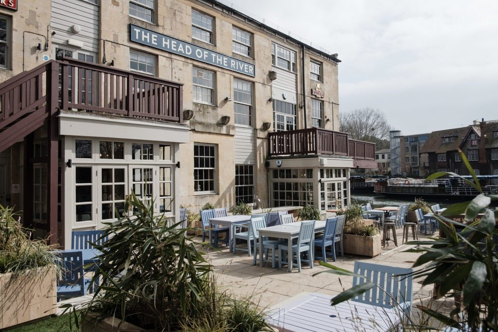 Alfresco Dining in Oxford City - The Head of the River Restaurant & Pub