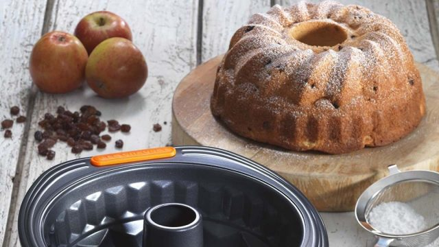 Apple, Raisin and Cinnamon Kugelhopf Recipe