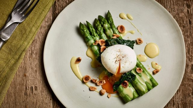 Asparagus and Soft Poached Egg with Mustard Dressing Recipe