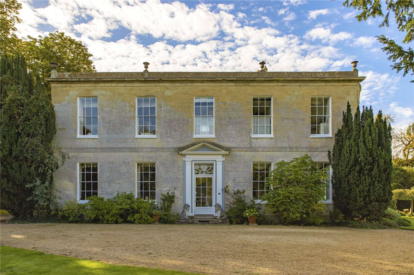 Beauforest House, Wallingford - Image Gallery 01 - Front of House