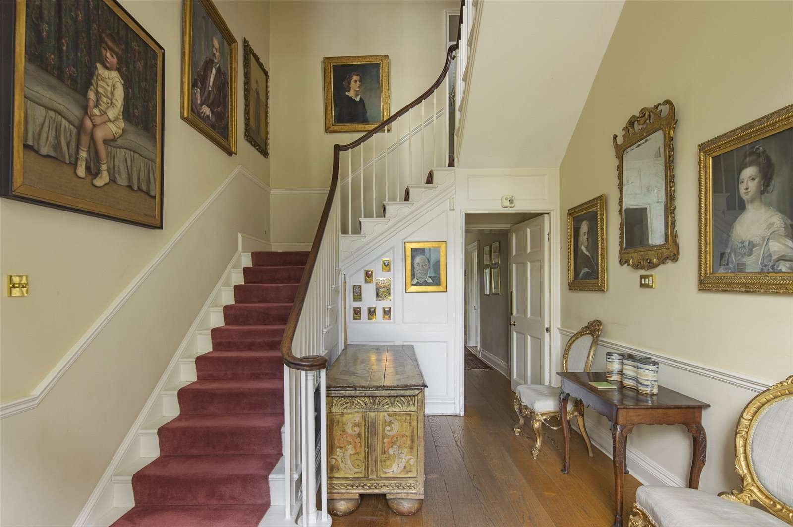 Beauforest House, Wallingford - Image Gallery 05 - Hall