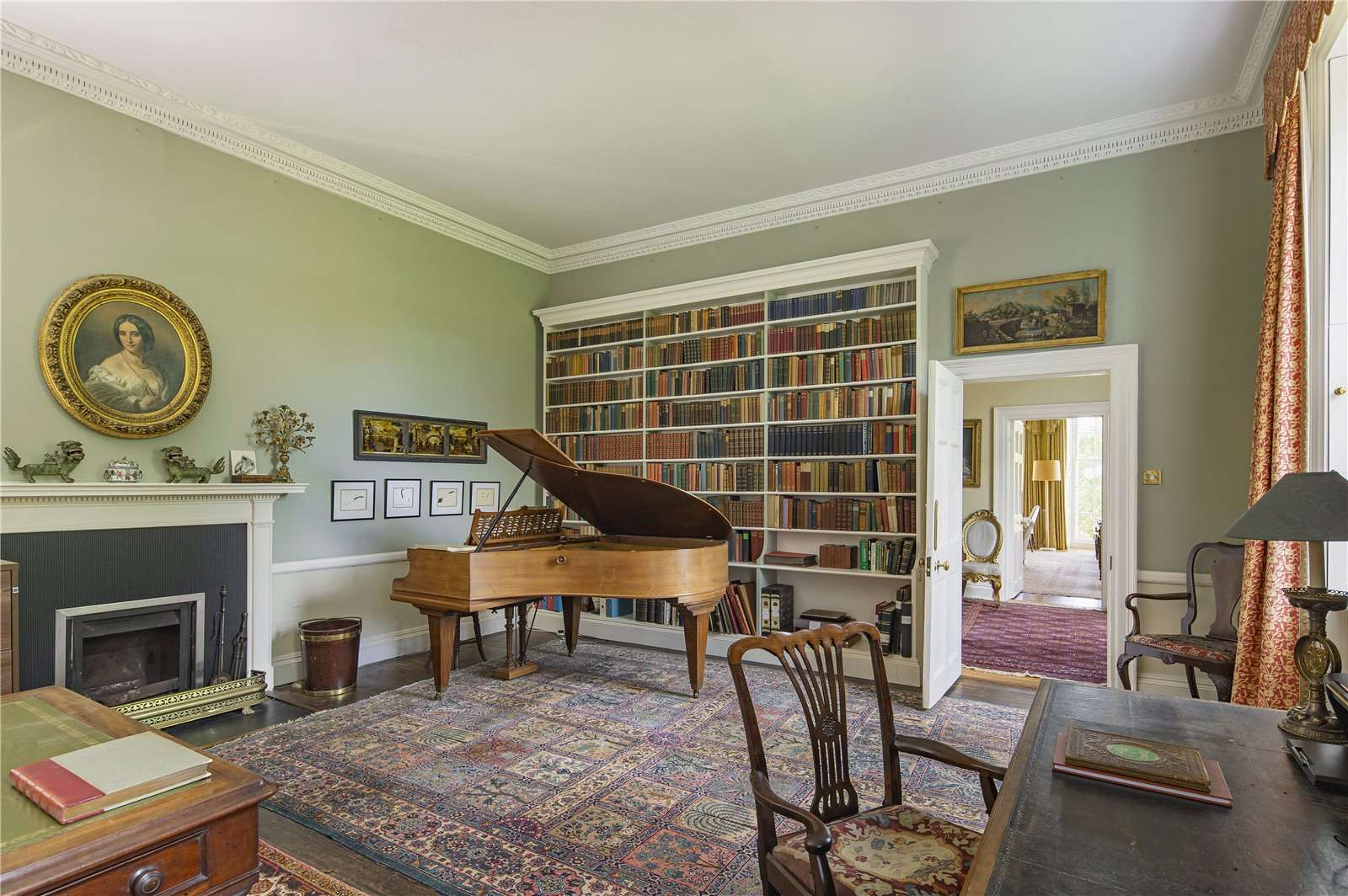 Beauforest House, Wallingford - Image Gallery 08 - Music Room