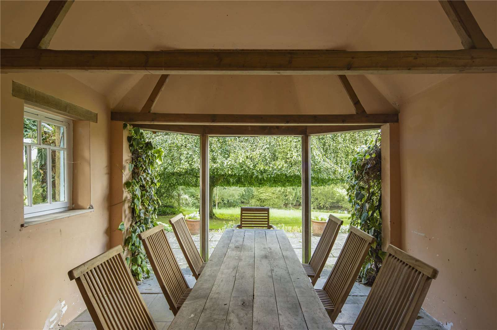 Beauforest House, Wallingford - Image Gallery 11 - Outdoor Dining