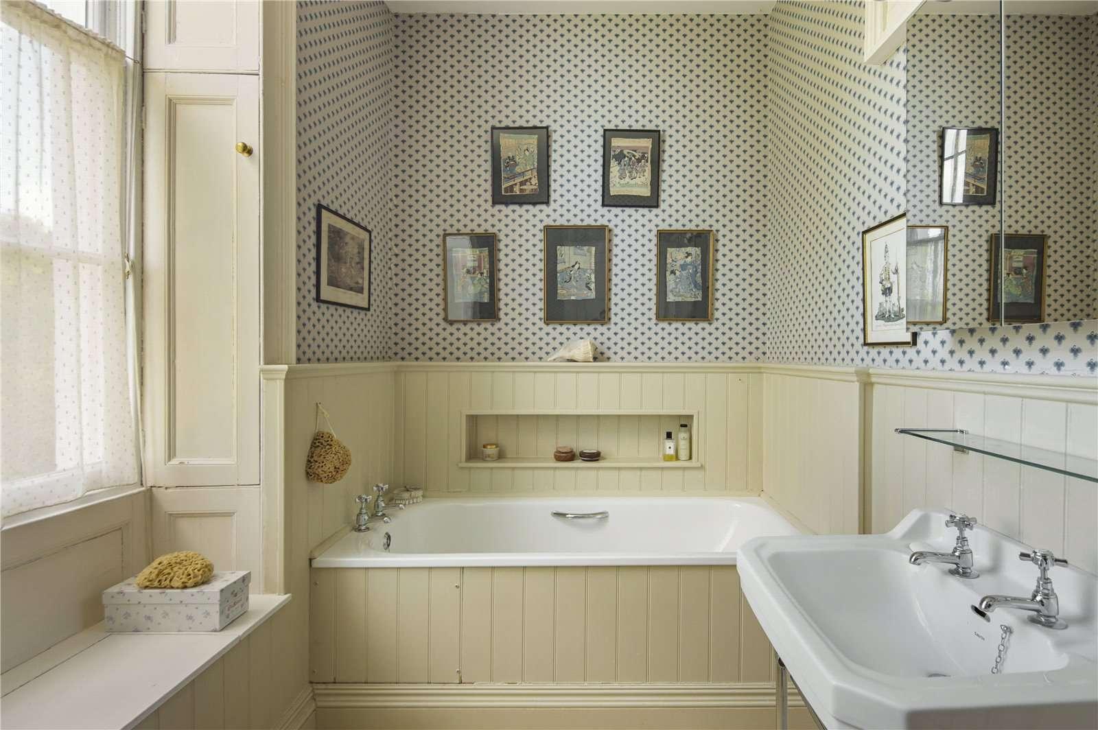 Beauforest House, Wallingford - Image Gallery 13 - Bathroom