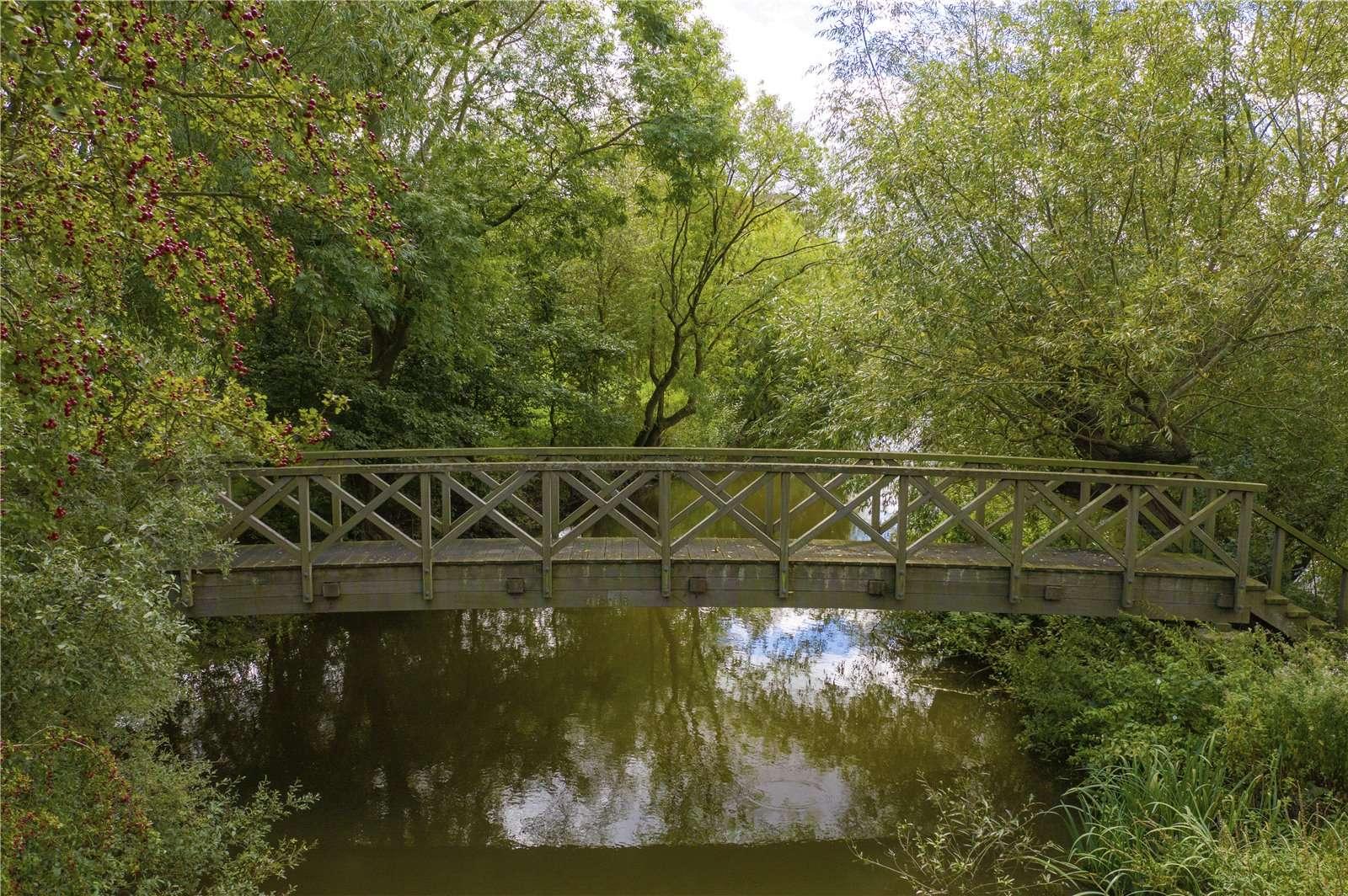 Beauforest House, Wallingford - Image Gallery 19 - Bridge