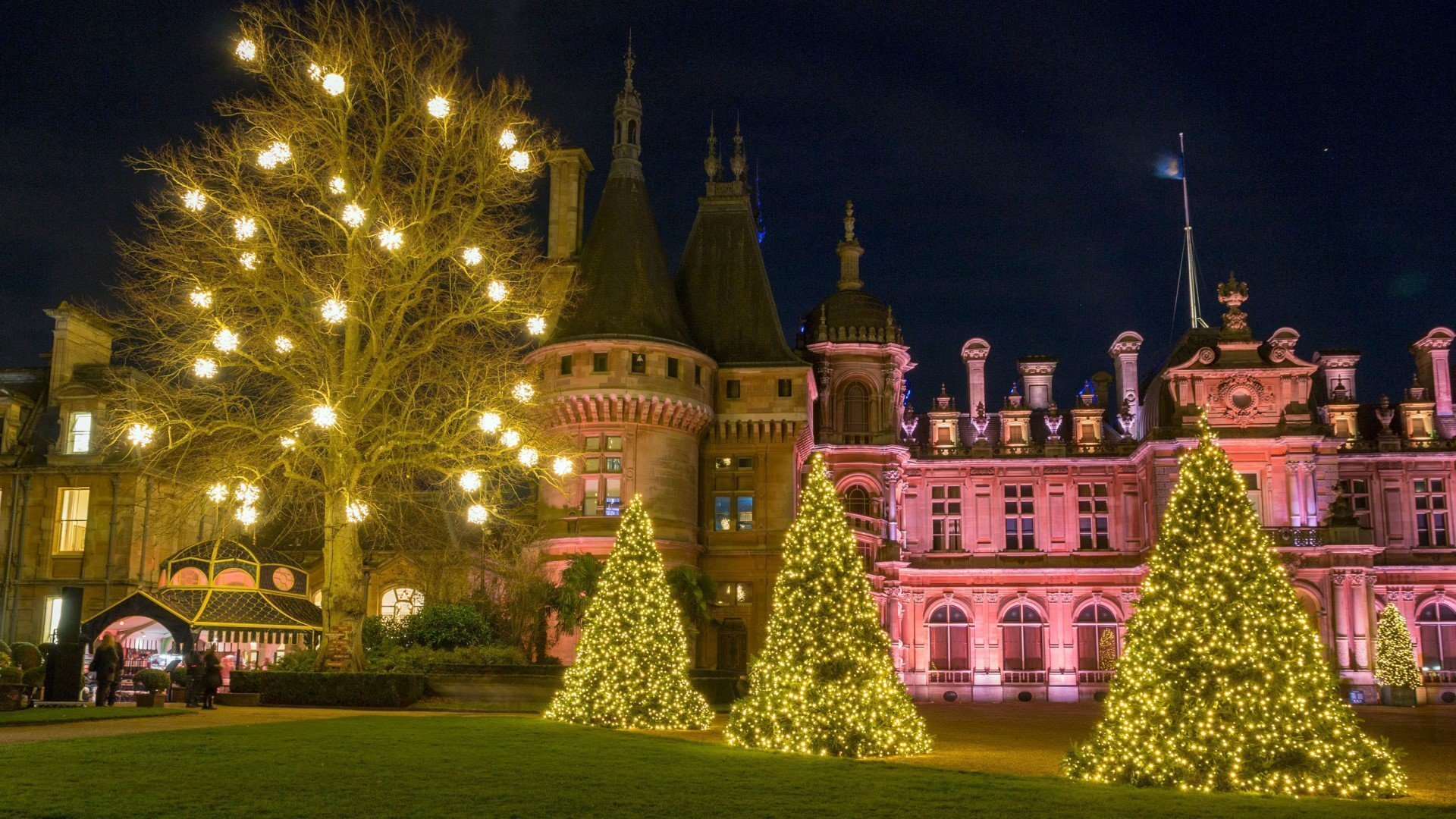 Christmas 2020 at Waddesdon Manor. Image: Waddesdon Manor Illuminated. National Trust / Hugh Mothersole