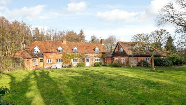 Property for Sale: Cold Harbour, Goring Heath, Reading RG8