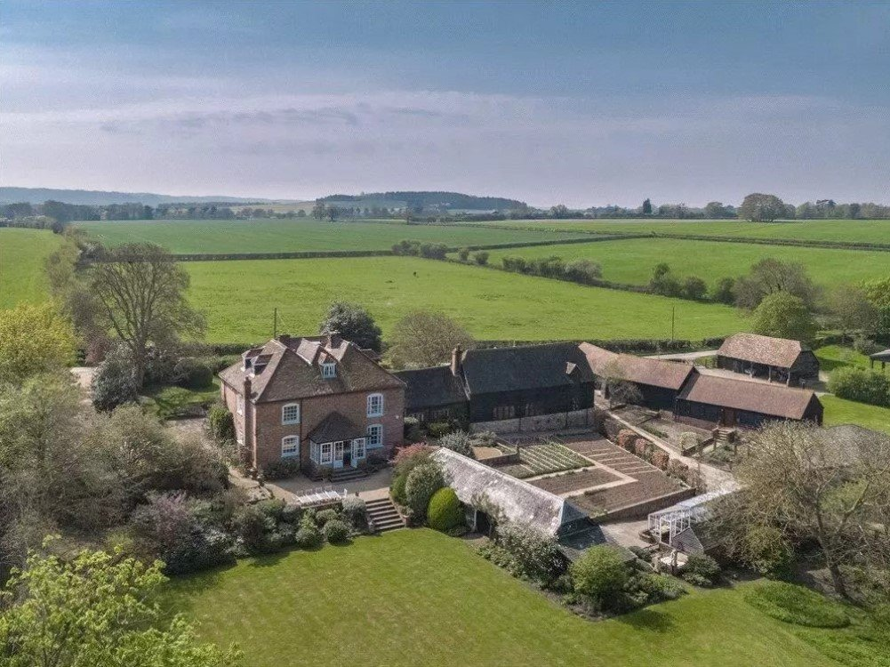 Copcourt House, Thame, Oxfordshire - Aerial View