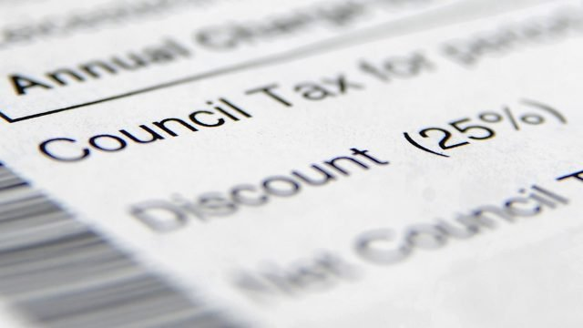 Oxford City Council to consult on options for council tax reduction scheme