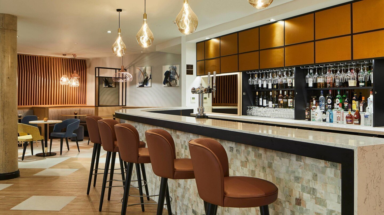 Courtyard by Marriott, Oxford City Centre - Kitchen Restaurant & Bar
