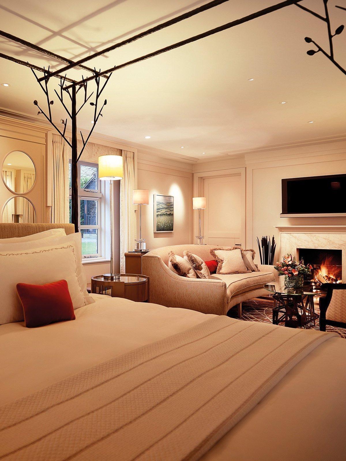 Coworth Park Ascot Gardeners East Cottage Suite Bedroom in Winter