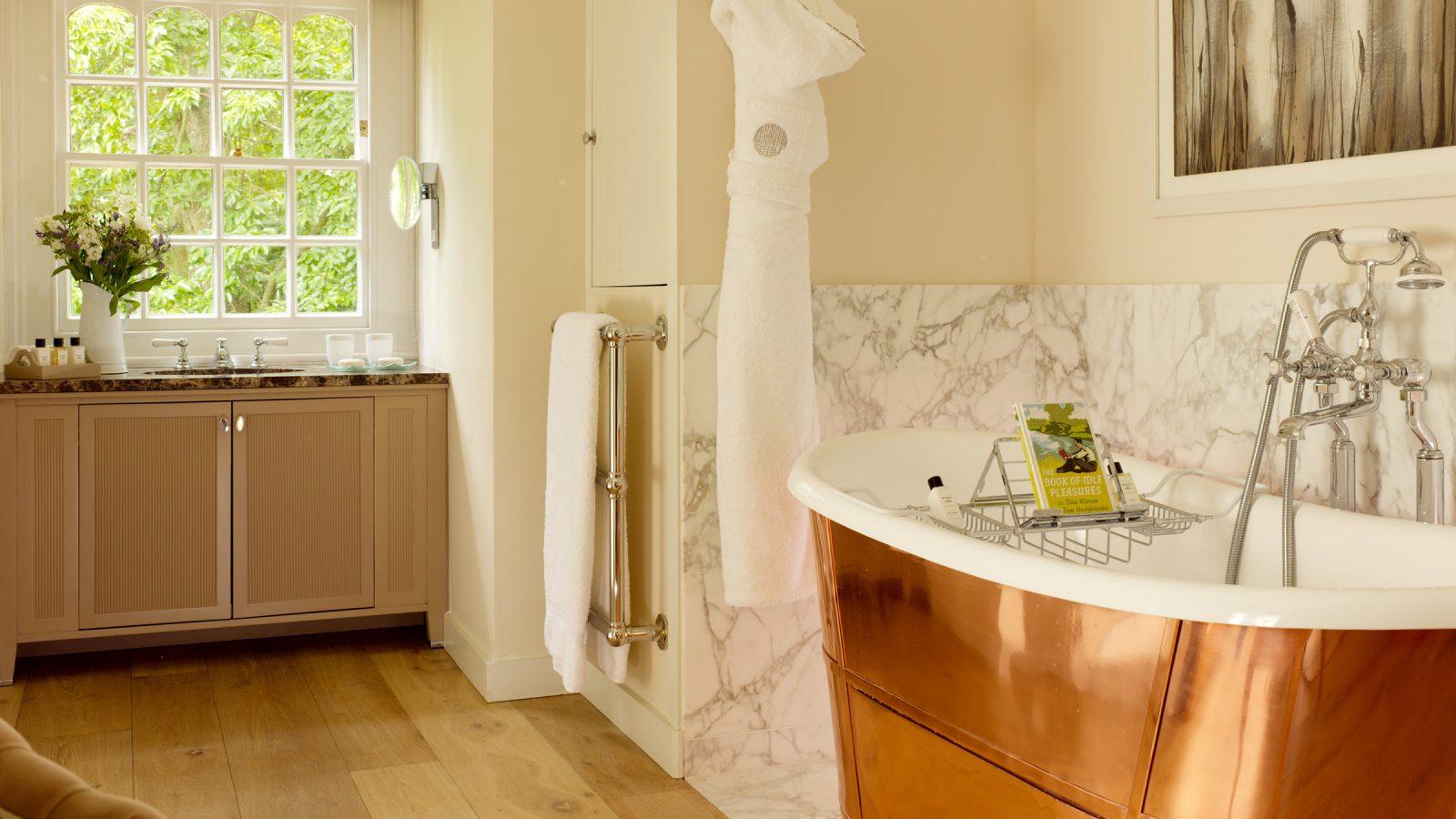 Coworth Park Dower House Master Bathroom