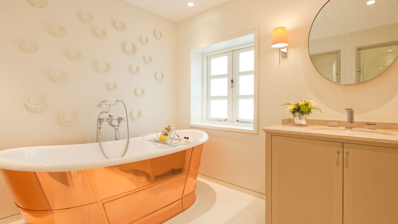 Coworth Park Stables Deluxe Bathroom