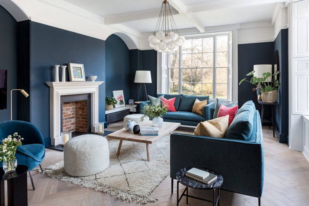 How to do dark walls by Oxfordshire's interior designers - Natural Materials and Textures