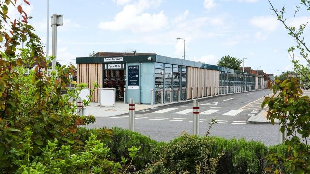 Free bike rental for travel to and from Milton Park at Didcot Parkway cycle hub