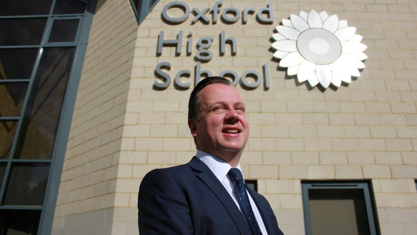 Dr Philip Hills stands down from Oxford High School
