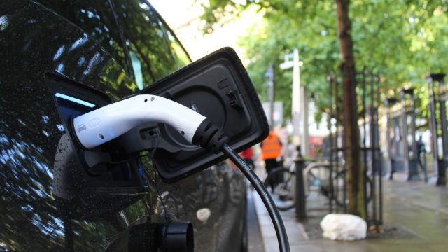 Volunteers sought for electric vehicle EV charging trials in Oxfordshire