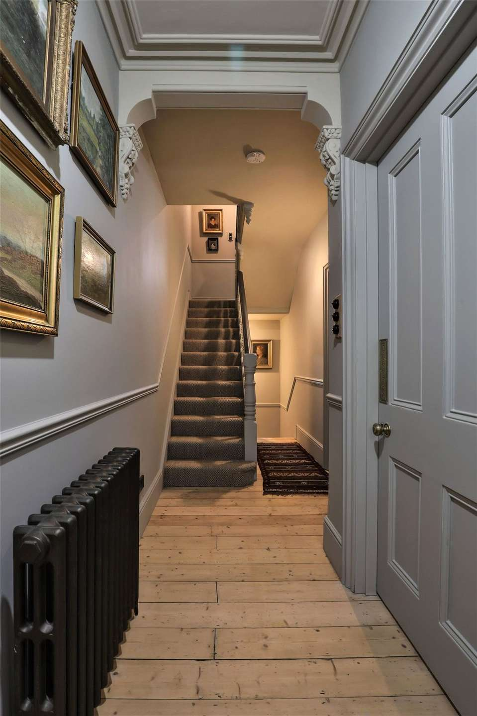 An elegantly-proportioned Victorian house on Woodstock Road in Oxford - Image Gallery 02 - Hallway