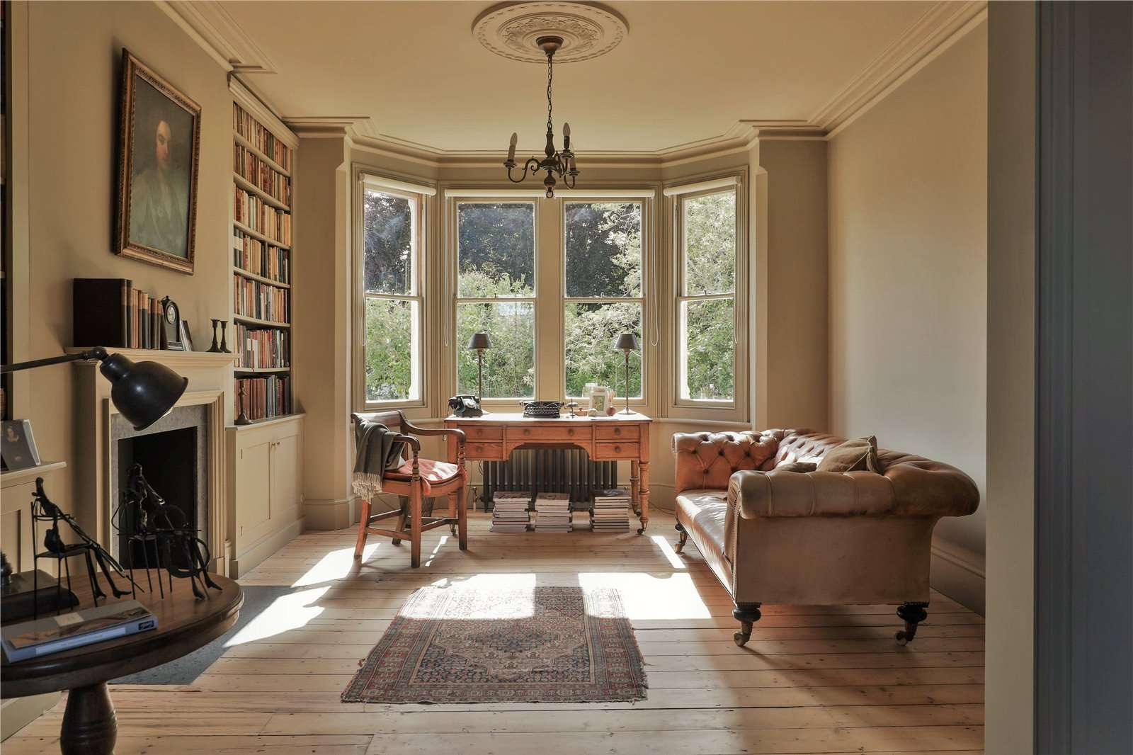 An elegantly-proportioned Victorian house on Woodstock Road in Oxford - Image Gallery 03 - Living Room