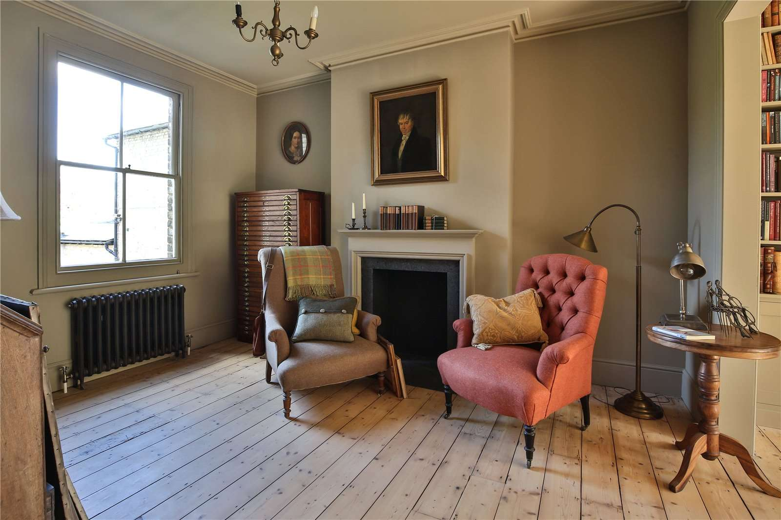 An elegantly-proportioned Victorian house on Woodstock Road in Oxford - Image Gallery 05 - Living Room