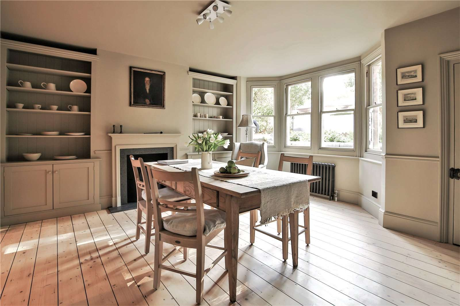 An elegantly-proportioned Victorian house on Woodstock Road in Oxford - Image Gallery 05 - Dining Room