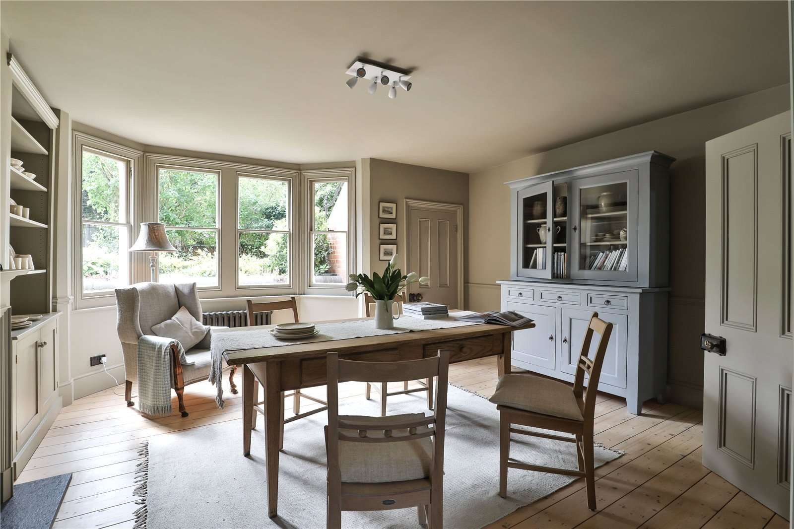 An elegantly-proportioned Victorian house on Woodstock Road in Oxford - Image Gallery 06 - Dining Room