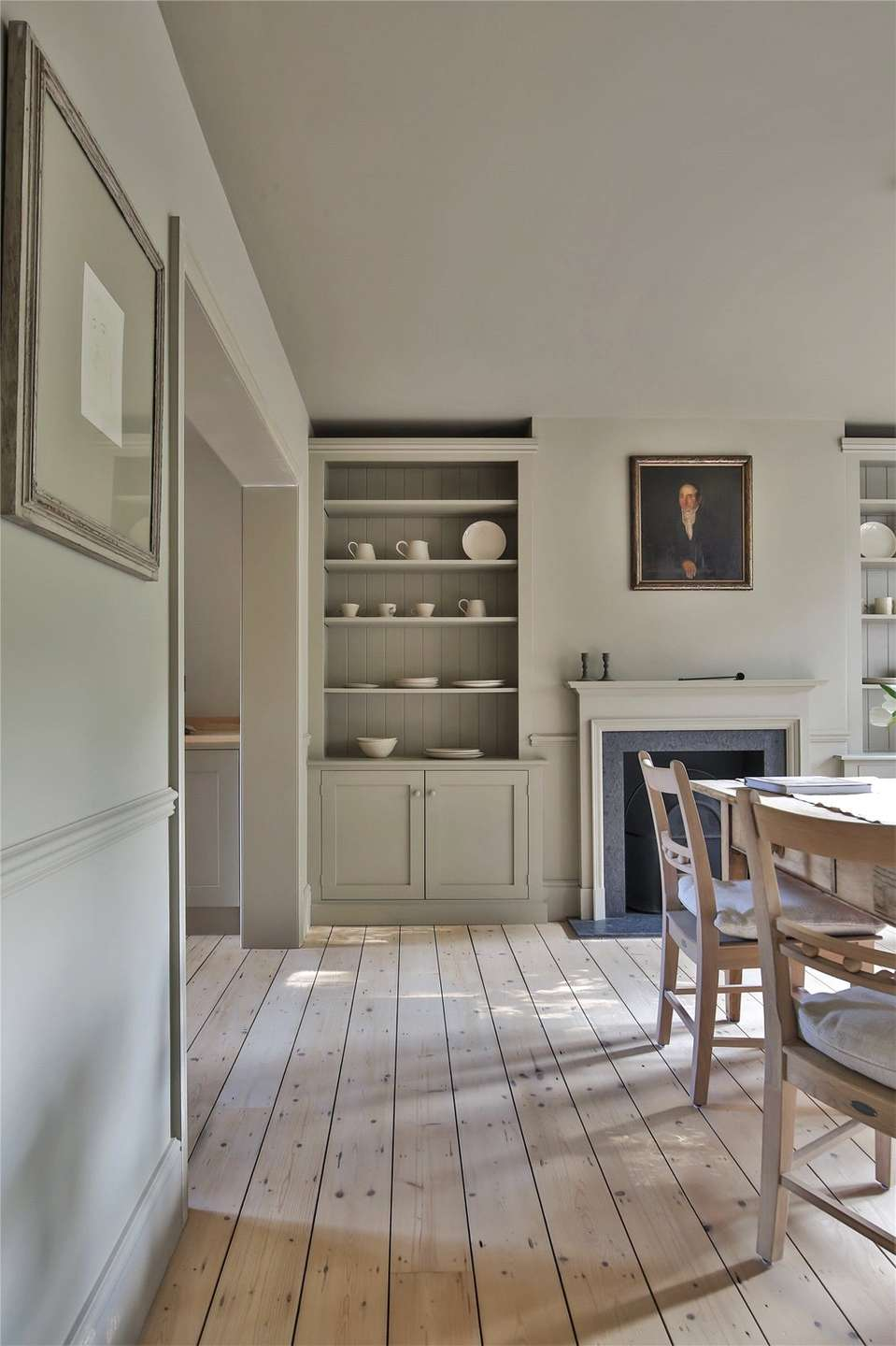 An elegantly-proportioned Victorian house on Woodstock Road in Oxford - Image Gallery 07 - Dining Room