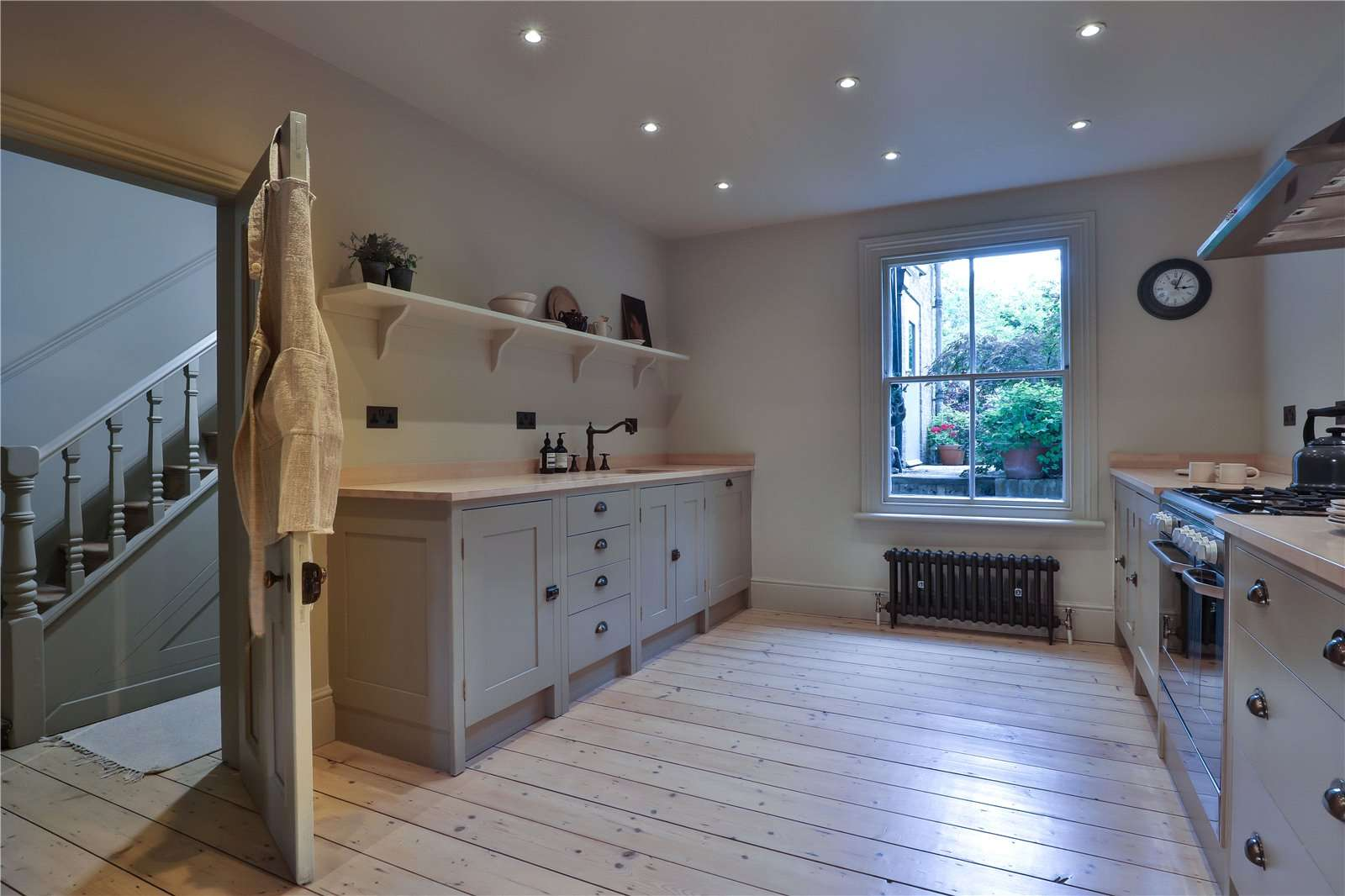 An elegantly-proportioned Victorian house on Woodstock Road in Oxford - Image Gallery 10 - Kitchen