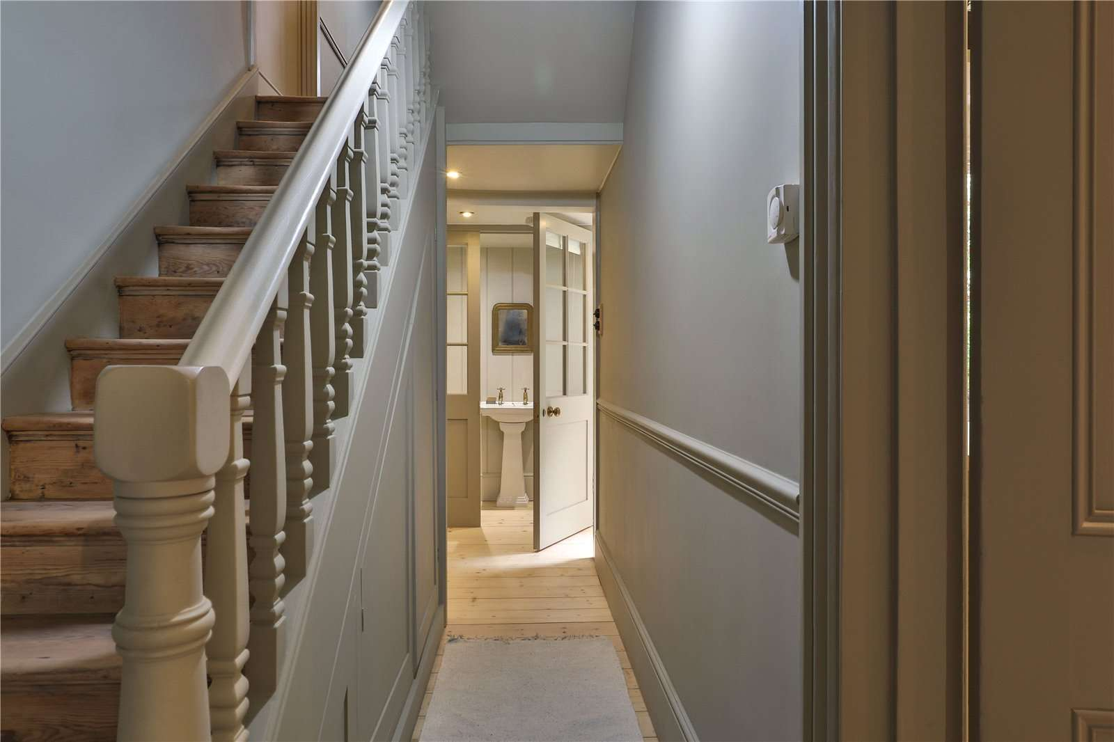 An elegantly-proportioned Victorian house on Woodstock Road in Oxford - Image Gallery 11 Hallway