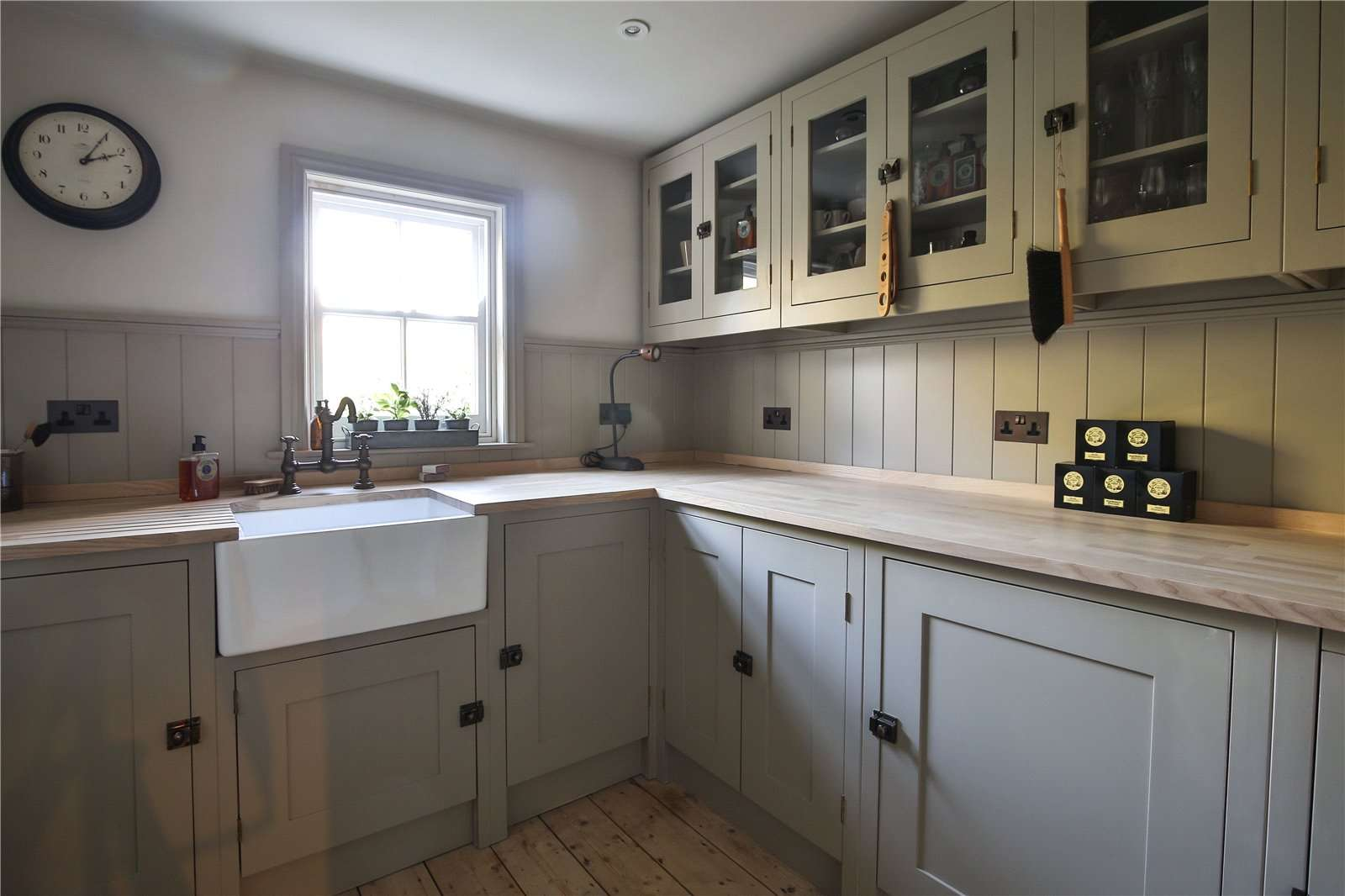 An elegantly-proportioned Victorian house on Woodstock Road in Oxford - Image Gallery 13 - Utility Room