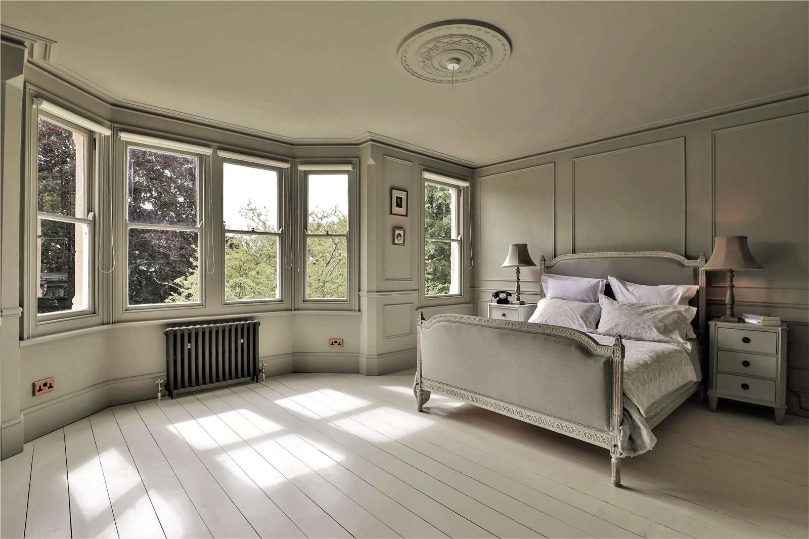 An elegantly-proportioned Victorian house on Woodstock Road in Oxford - Image Gallery 14 - Bedroom