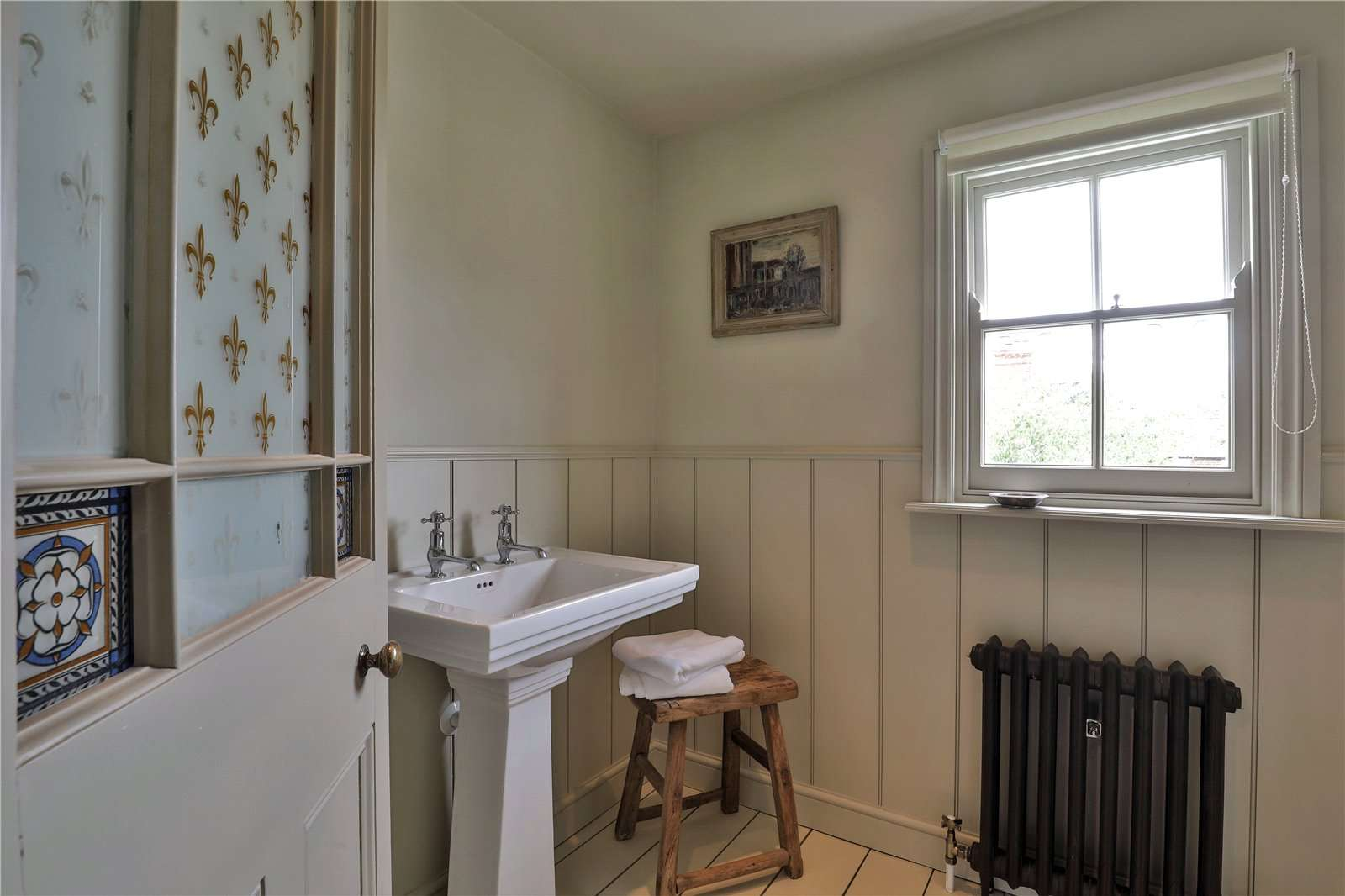 An elegantly-proportioned Victorian house on Woodstock Road in Oxford - Image Gallery 16 - Shower Room