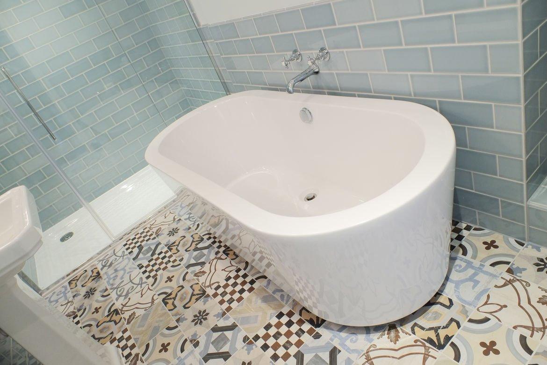 Eynsham Hall Bathroom