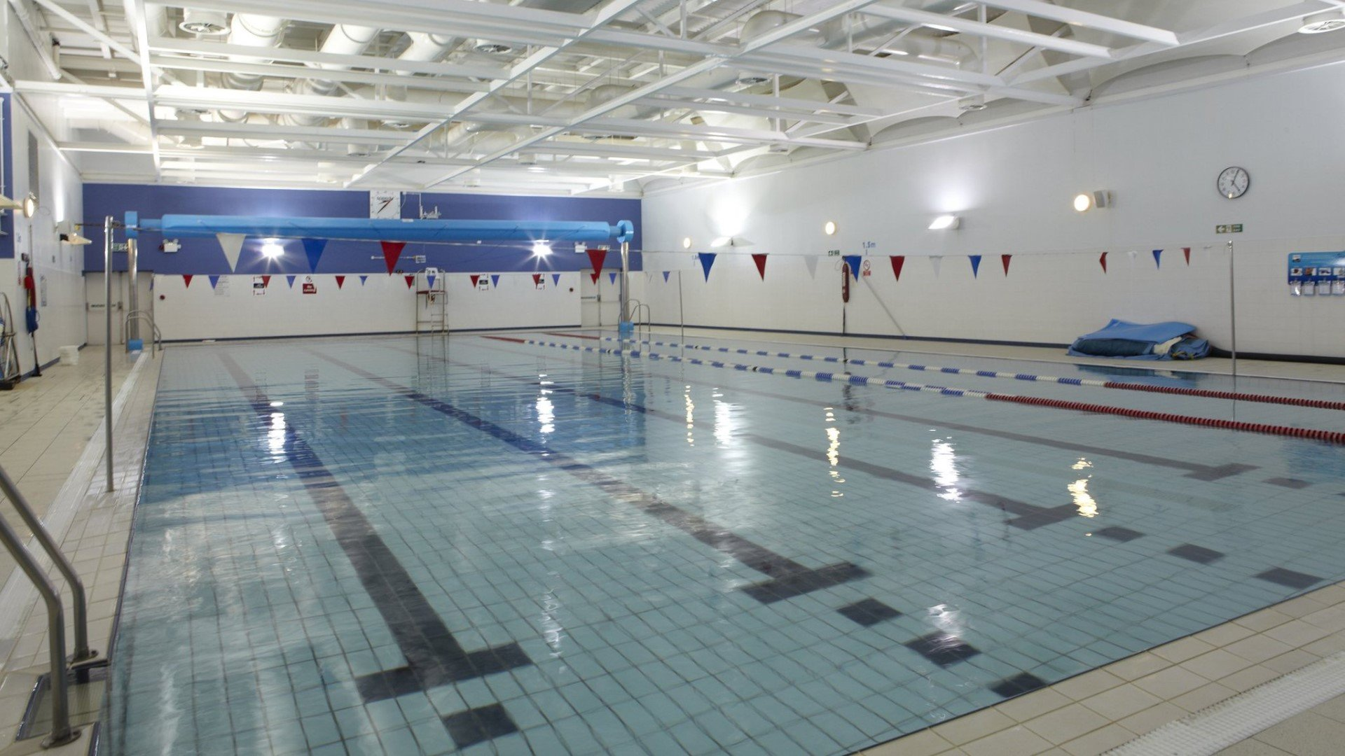 Temporary closure of swimming pool at Ferry Leisure Centre
