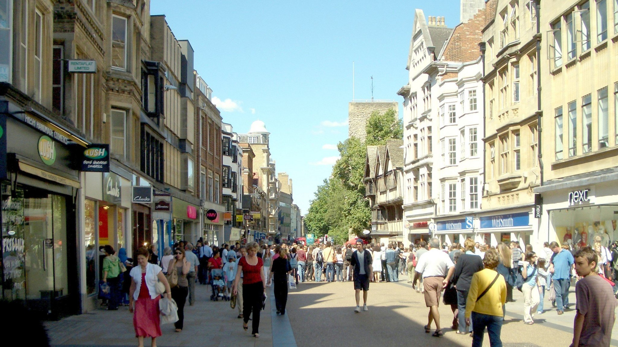 Final draft proposals published for Oxford Zero Emission Zone. Image: Pedestrians on the historic Cornmarket Street in Oxford's city centre
