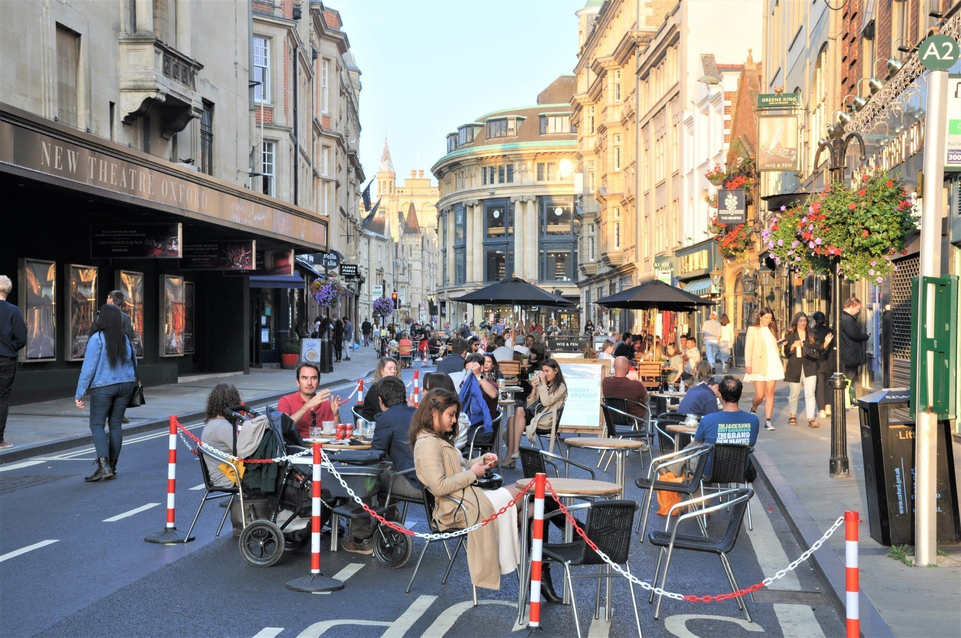 Oxford's George Street part-pedestrianised to support local restaurants and cafes - Image 04