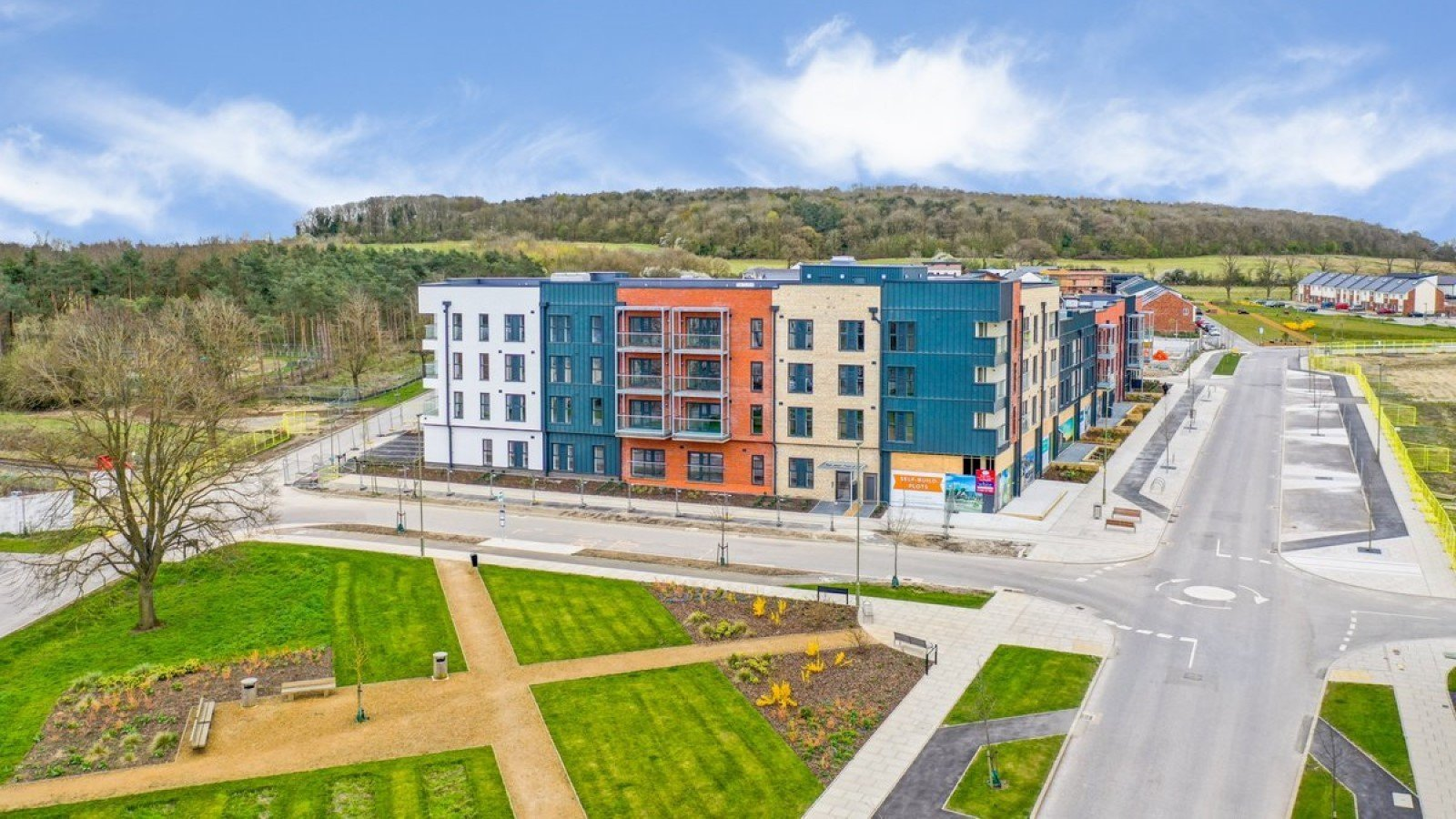 Growing interest in new retail/office units at Graven Hill