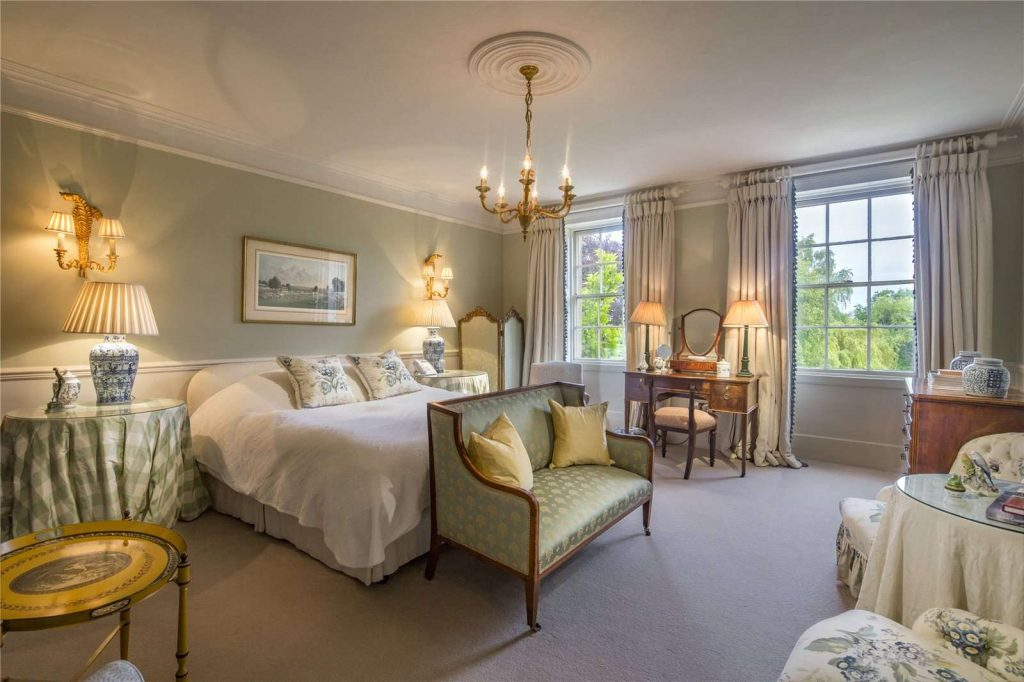 Holmwood Country House, Binefield Heath, Henley-on-Thames, Oxfordshire - Master Bedroom