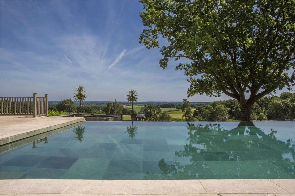 Holmwood Country House, Binefield Heath, Henley-on-Thames, Oxfordshire - Infinity Swimming Pool