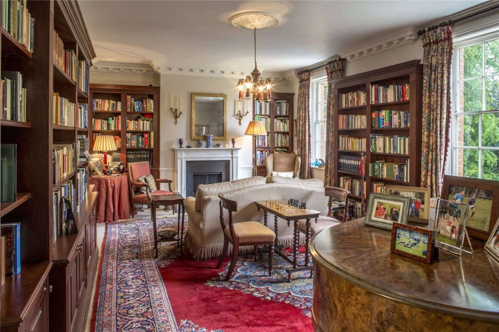 Holmwood Country House, Binefield Heath, Henley-on-Thames, Oxfordshire - Library