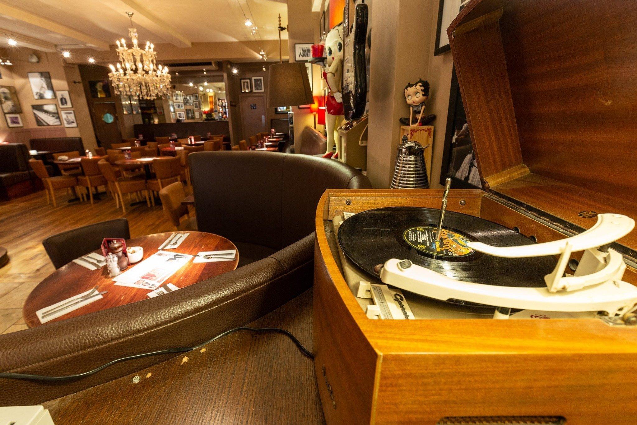 Joe's Bar & Grill, Summertown, Oxford - Gallery Image 12