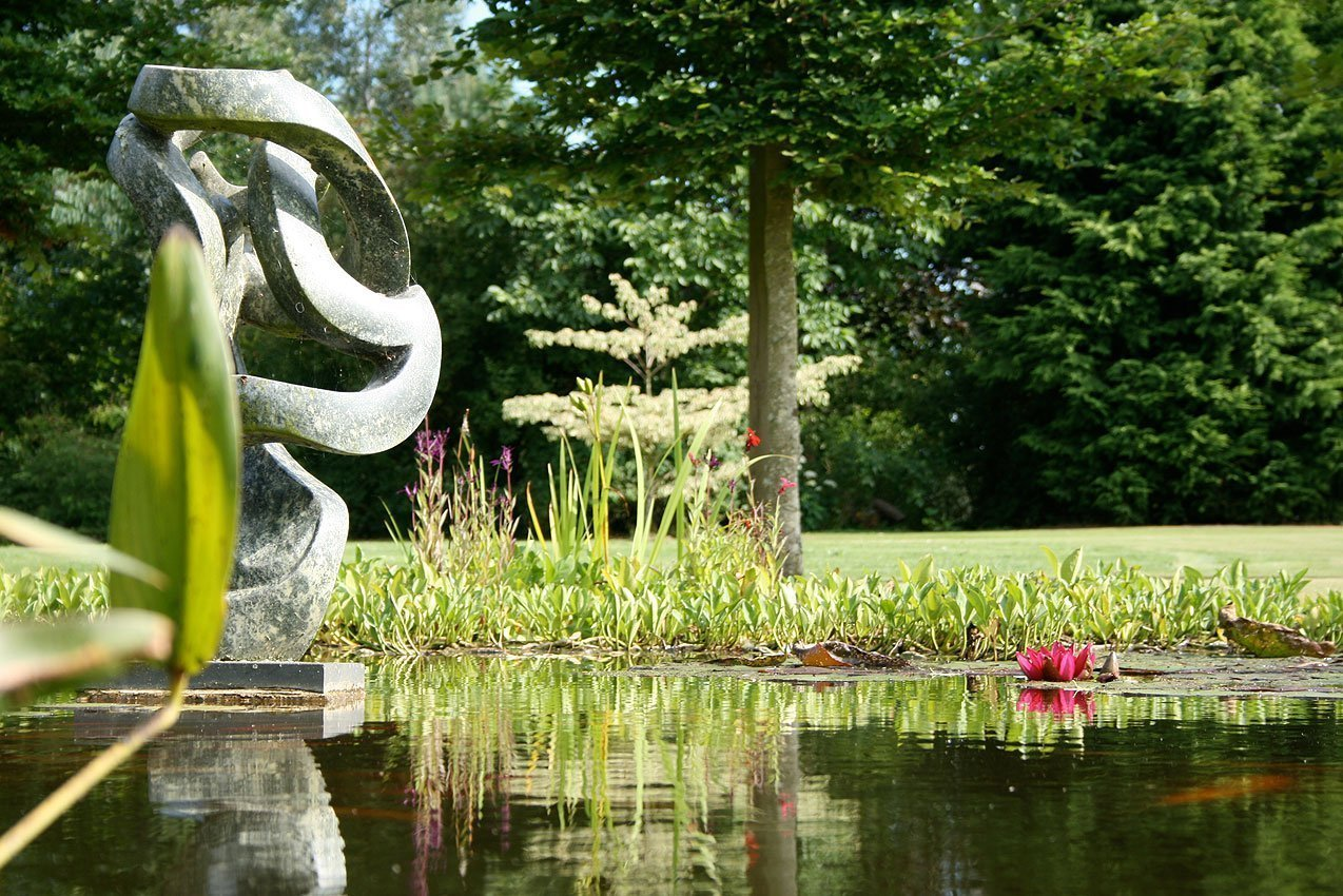 Kingham Lodge Gardens - Garden Pond