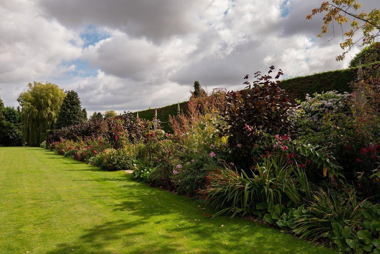 Kingham Lodge Gardens - Red Border